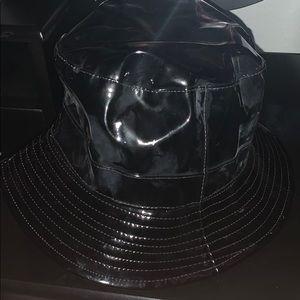 Fashion Nova black bucket hat